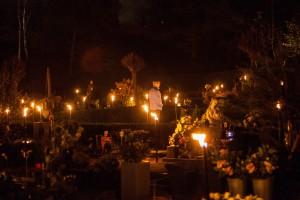 Lichtjesavond op begraafplaats Rosorum in Zevenaar