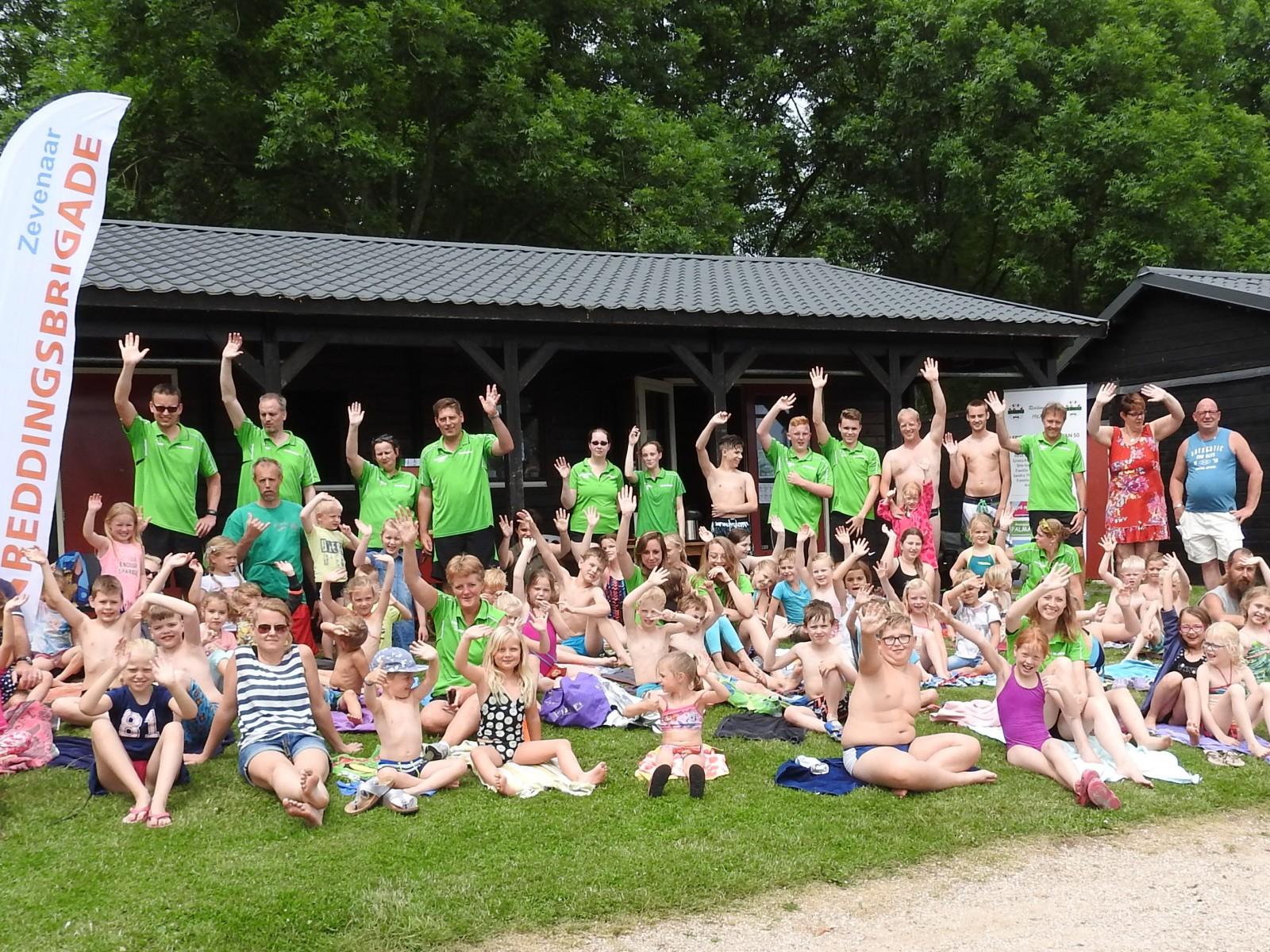 Groepsfoto deelnemers en begeleiding Breulydag.