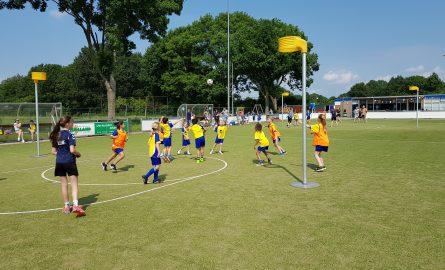 MIX training bij Korfbalvereniging (KV) de Zwaluwen